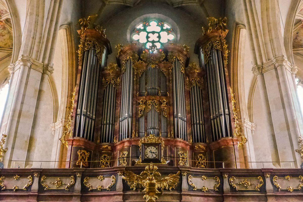 Die beeindruckende Orgel des Grazer Doms aus dem Jahr 1978, Österreich - © Lila Pharao / franks-travelbox