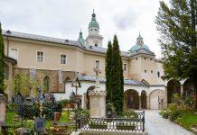 Die Erzabtei St. Peter in der Innenstadt von Salzburg, Österreich, gehört zum Stift Sankt Peter und ist dem Heiligen Petrus geweiht - © James Camel / franks-travelbox