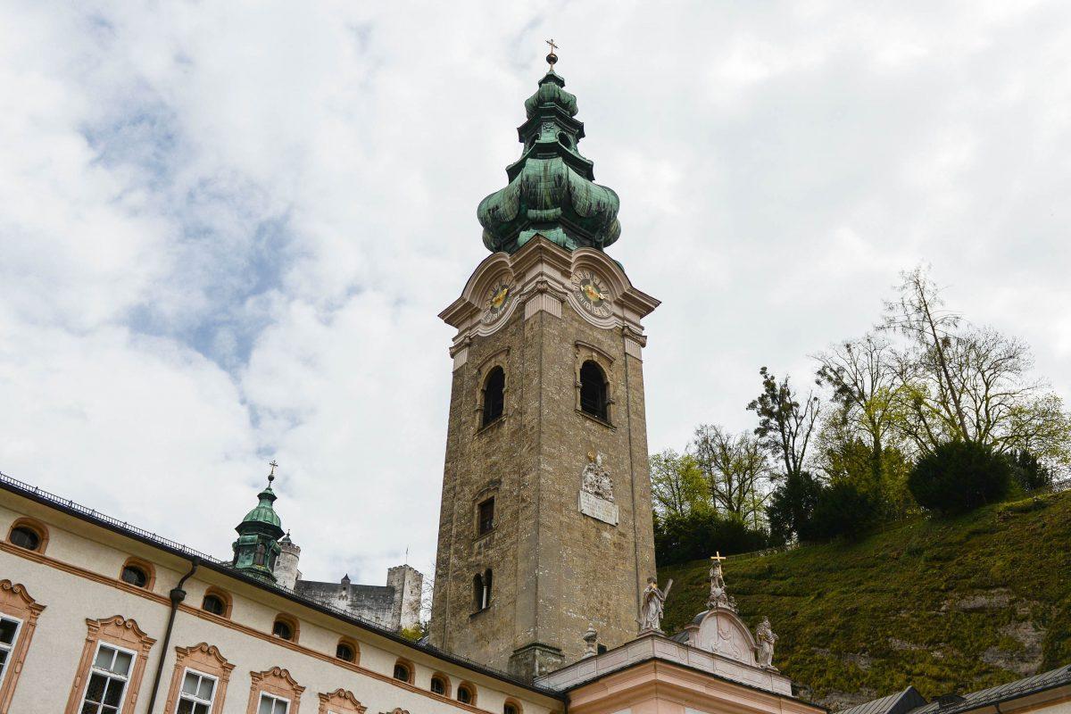 Die heutige St. Peters Kirche entstand von 1130 bis 1143 als Mittelpunkt der Erzabtei St. Peter von Salzburg, Österreich - © James Camel / franks-travelbox