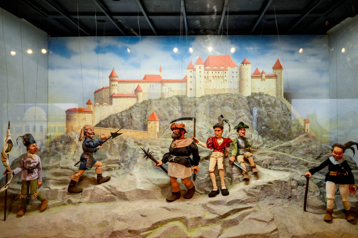 Im Marionetten-Museum der Hohensalzburg werden die Festungsgeschichte und Salzburgs berühmte Persönlichkeiten von Mozart bis Sissi dargestellt, Österreich - © James Camel / franks-travelbox.c