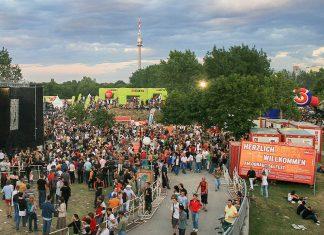 Alljährlich im Sommer wird die Donauinsel in Wien zum rockigen Schauplatz des größten Musikfestivals Europas, Österreich - © Tsui CC BY-SA3.0/Wiki