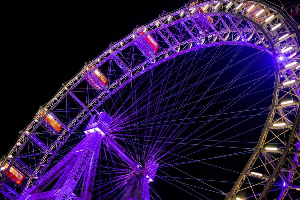 Das berühmte Riesenrad im Wiener Prater ist untrennbar mit der Skyline von Wien verbunden, Österreich - © Frank Gaertner / Shutterstock