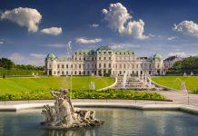 Das Schloss Belvedere wurde einst für Prinz Eugen von Savoyen errichtet und versetzt seine Besucher mit opulenter Architektur in Staunen, Wien, Österreich - © Burben / Shutterstock