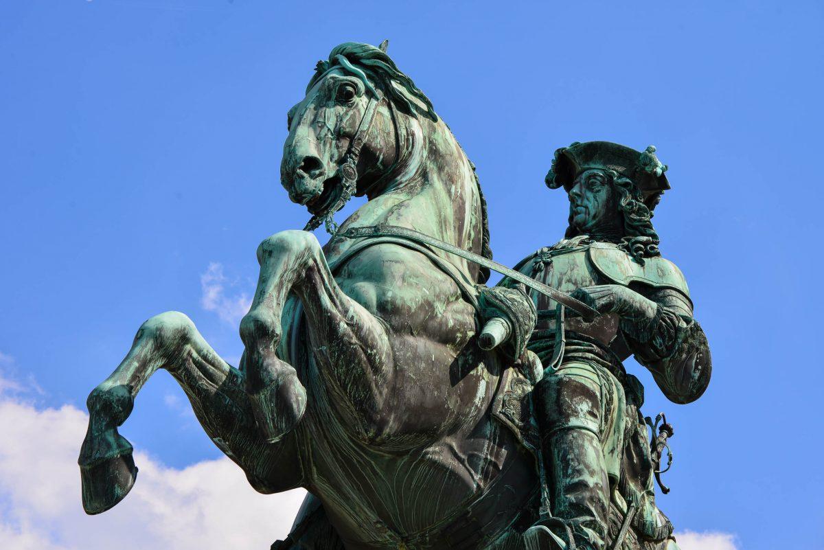 Detailansicht des Prinz Eugen-Denkmals am Heldenplatz, Wien, Österreich - © FRASHO / franks-travelbox