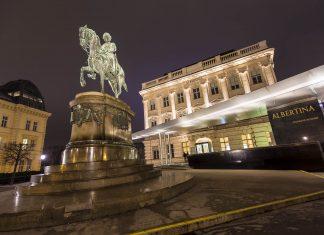 Die Albertina im prachtvollen Palais Erzherzog Albrecht im Zentrum von Wien beherbergt eine der wichtigsten grafischen Sammlungen der Welt, Österreich - © Goran Bogicevic / Shutterstock