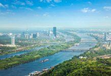 Die Donauinsel in Wien trennt seit 1988 die alte von der neuen Donau und ist als Naherholungsgebiet und Veranstaltungsort bekannt, Österreich - © mRGB / Shutterstock