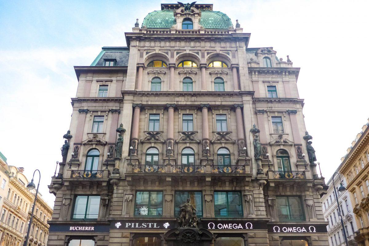 Im Palais Equitable am Graben im Zentrum von Wien öffnete die Luxus-Uhren-Marke Omega im März 2012 ihren ersten Flagship-Store in Österreich - © Lila Pharao / franks-travelbox