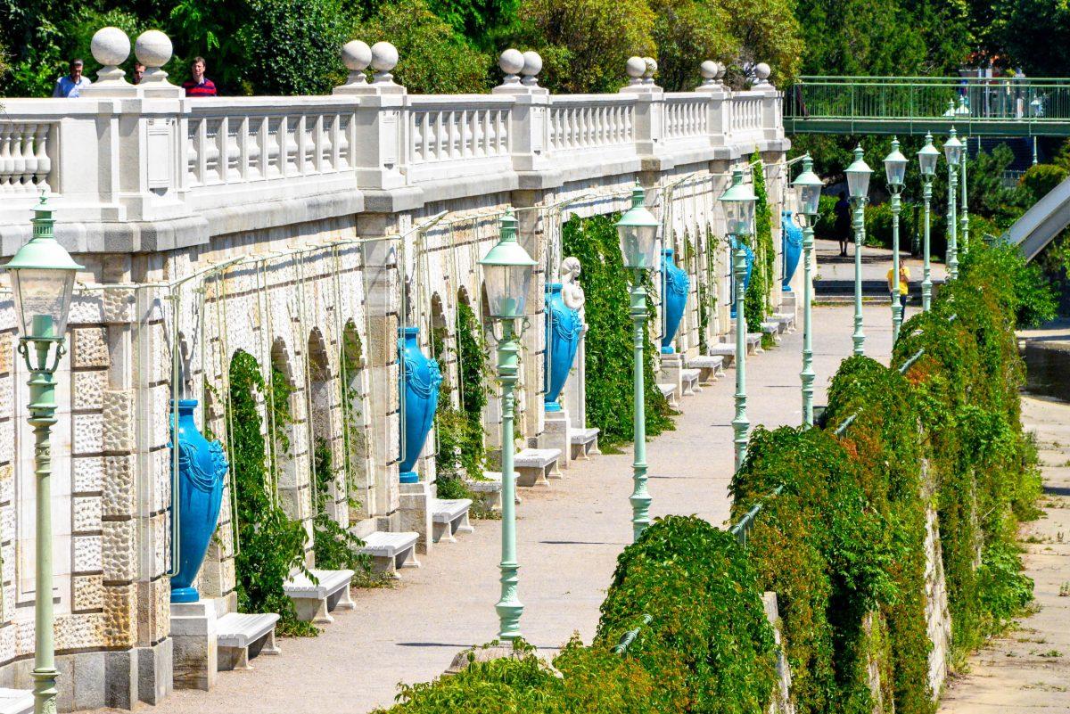 Nach dem 1823 eröffneten Volksgarten war der Stadtpark die zweite Parkanlage Wiens, die für die Öffentlichkeit zugänglich gemacht worden war, Österreich - © FRASHO / franks-travelbox