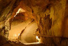 Würde man alle Gänge der Dachstein-Mammuthöhle abgehen wollen, müsste man einen ganzen Monat in der Höhle verbringen, Österreich - © James Camel / franks-travelbox