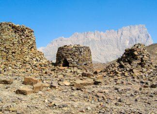 Seit 1988 zählen die Bienenkorbgräber von Al Ayn und Bat im Oman zum Weltkulturerbe der UNESCO - © FRASHO, franks-travelbox