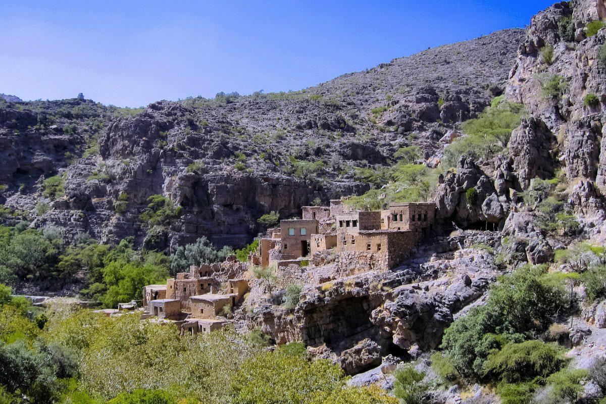 Die völlig aus Lehm erbauten Häuser im Wadi bani Habib sind heute vollkommen verlassen, Oman - © FRASHO / franks-travelbox