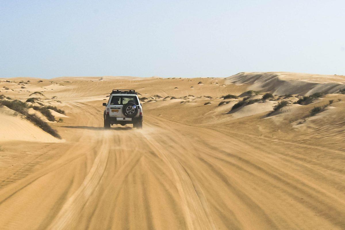 Mit dem Allrad durch die Wüste Wahiba Sands, Oman - © FRASHO / franks-travelbox