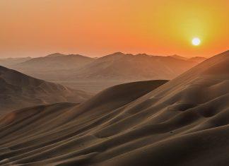 Spektakuläre Sonnenuntergänge und ein atemberaubender Sternenhimmel sind die Top-Sehenswürdigkeiten der Rub al-Khali im südlichen Oman - © Frantisek Staud / Shutterstock