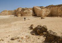 Wer die antike Stätte Sumhuram im südlichen Oman besucht, taucht in die vergangene Welt der arabischen Weihrauchstraße ein. - © Maros Markovic / Shutterstock