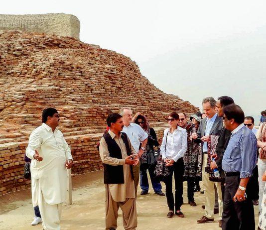 Die Ruinenstadt Mohenjo-daro im Süden Pakistans ist die am besten erhaltene historische Stadt auf dem indischen Subkontinent - © Asianet-Pakistan/Shutterstock