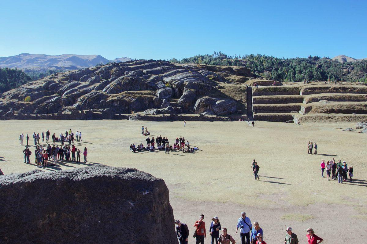 Am Zeremonienplatz von Sacsayhuamán findet heute noch jährlich zur Wintersonnenwende das Fest des Sonnengottes statt, Peru - © flog / franks-travelbox
