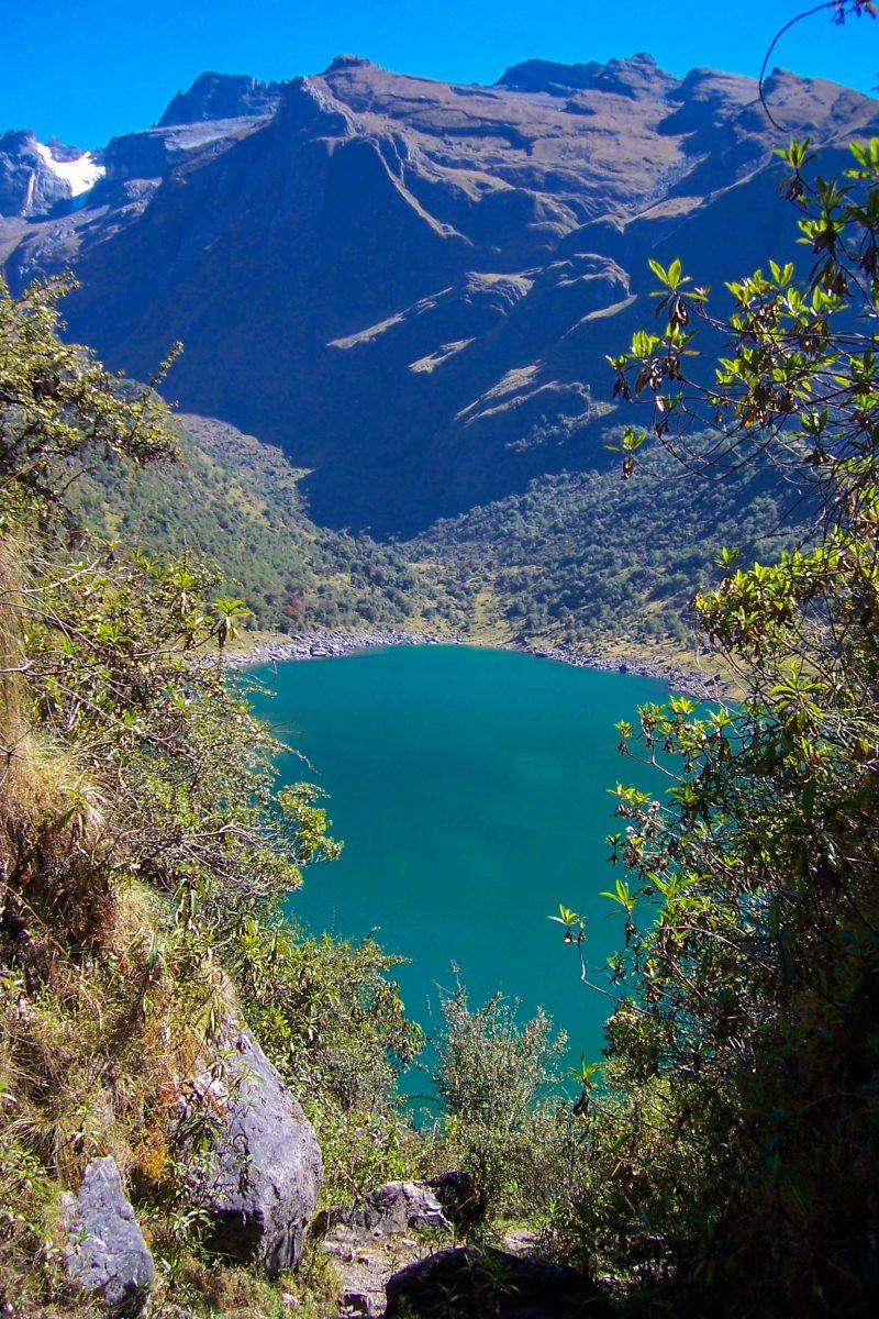 Besonders spektakulär präsentiert sich das Ampay National Sanctuary im südlichen Peru an der Lagune Usphaqucha - © Peter Stewart PD, Wiki