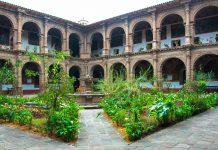 Das Kloster La Merced in Cusco, Peru, ist heute teilweise ein Museum und für Besucher zugänglich - © flog / franks-travelbox