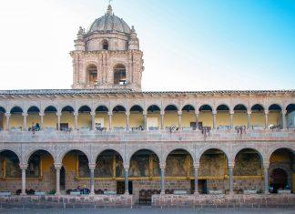 Das Kloster Santa Catalina in Cusco fungiert als Museum für religiöse Kunst und ist auch aufgrund seiner kolonialen Architektur einen Besuch wert, Peru - © flog / franks-travelbox