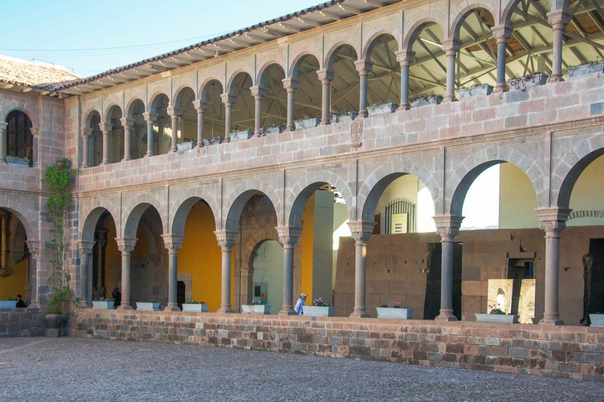 Das Kloster Santa Catalina in Cusco wurde 1601 gegründet und auf den Überresten eines so genannten Acllawasi errichtet, Peru - © flog / franks-travelbox