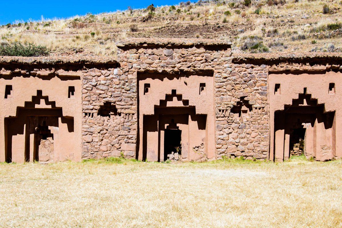 Tempelanlage auf der Isla de la Luna im Titicaca-See, wo der Inka-Gott Viracocha den Mondaufgang befohlen haben soll, Peru - © flog / franks-travelbox