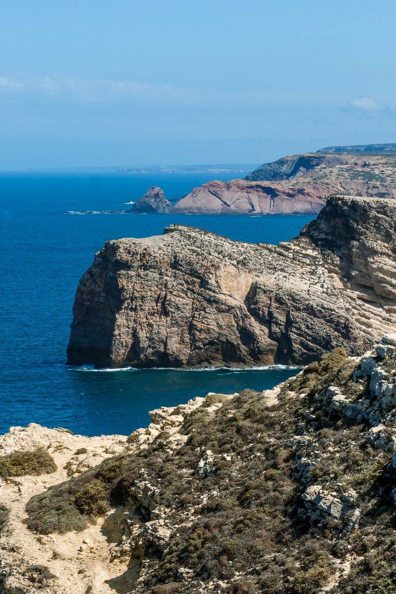 Der Landstrich am Cabo de São Vicente zwischen Sines im Norden und Burgau im Osten wurde zum Schutz der Tier- und Pflanzenwelt zum Naturpark erklärt, Portugal - © cdurrenberger / Fotolia