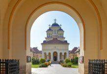 Die prächtige Orthodoxe Kathedrale von Alba Iulia wurde im Jahr 1922 für die Krönung des Königspaares des neuen Rumänien errichtet - © FRASHO / franks-travelbox