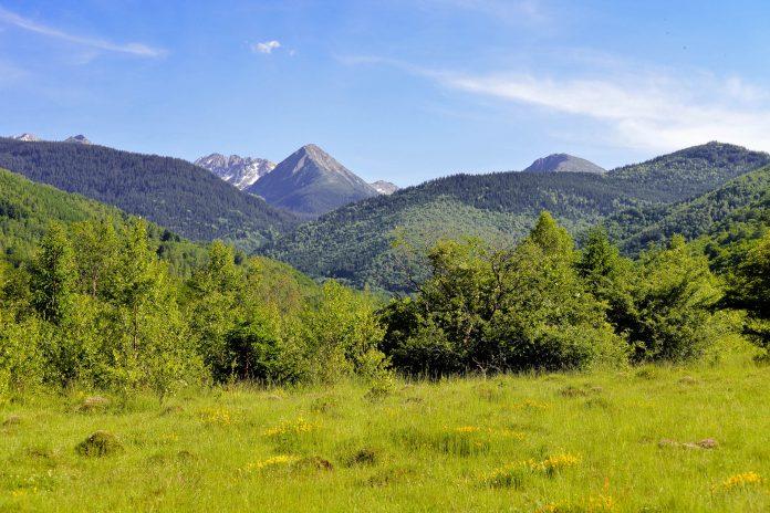 Als UNESCO-Biosphärenreservat beeindruckt der Nationalpark Retezat in den Karpaten Rumäniens mit idyllischen Gletscherseen und einer fantastischen Artenvielfalt - © FRASHO / franks-travelbox