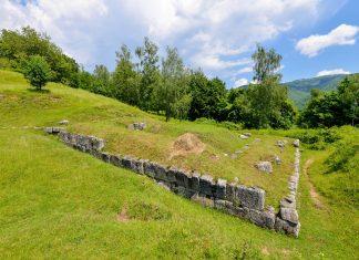 An der Ausgrabungsstätte Costești-Cetățuie im Zentrum von Rumänien thronte einst eine der sechs Daker-Festungen aus dem 1. Jahrhundert vor Christus - © FRASHO / franks-travelbox