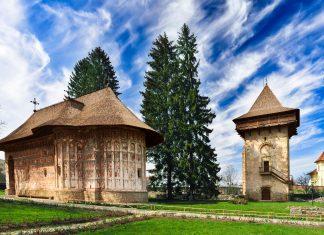 Blick auf das Kloster Humor in Rumänien - © olimpiupop / Fotolia