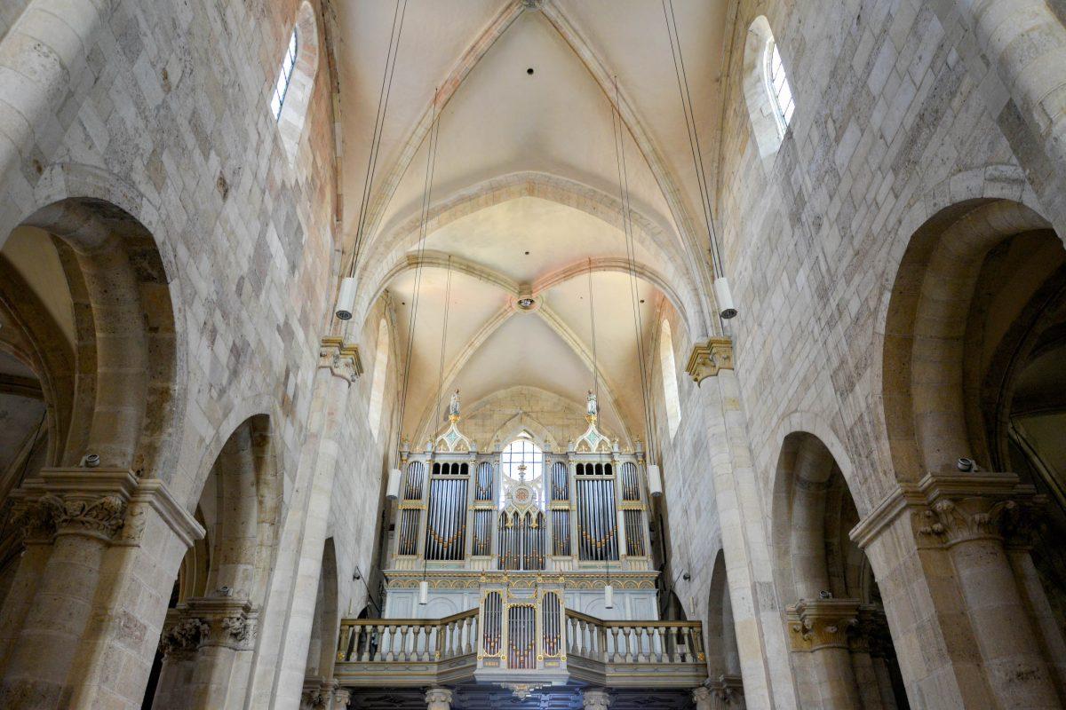 Die Orgel der katholischen Kathedrale von Alba Iulia verfügt über 2209 Pfeifen und wurde 1877 von Istvan Kolonics geschaffen, Rumänien - © FRASHO / franks-travelbox