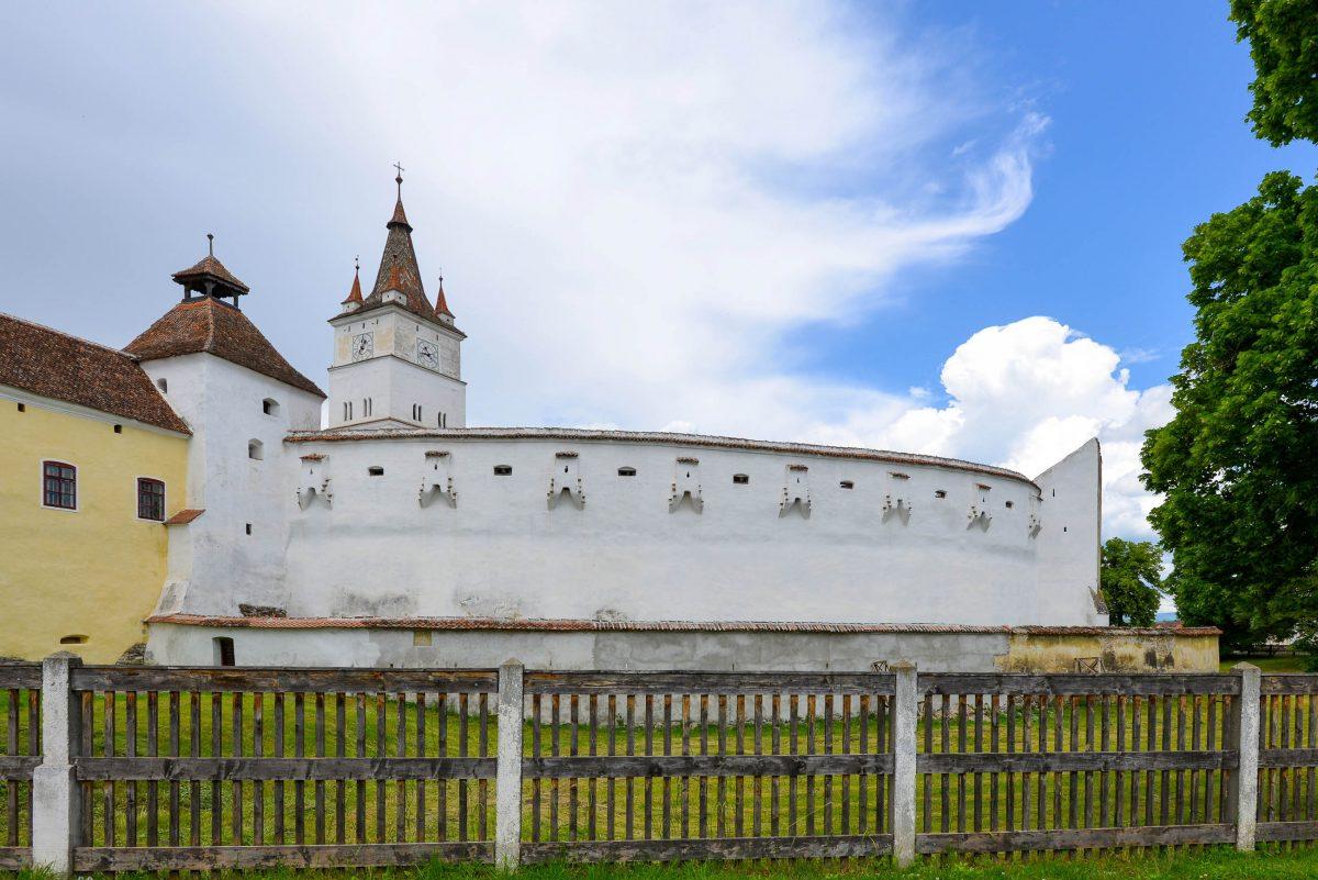 Das gesamte Gelände der Kirchenburg umfasst eine Fläche von über 14.500m2 und wird von einer 430m langen Burgmauer umgeben, Rumänien - © FRASHO / franks-travelbox