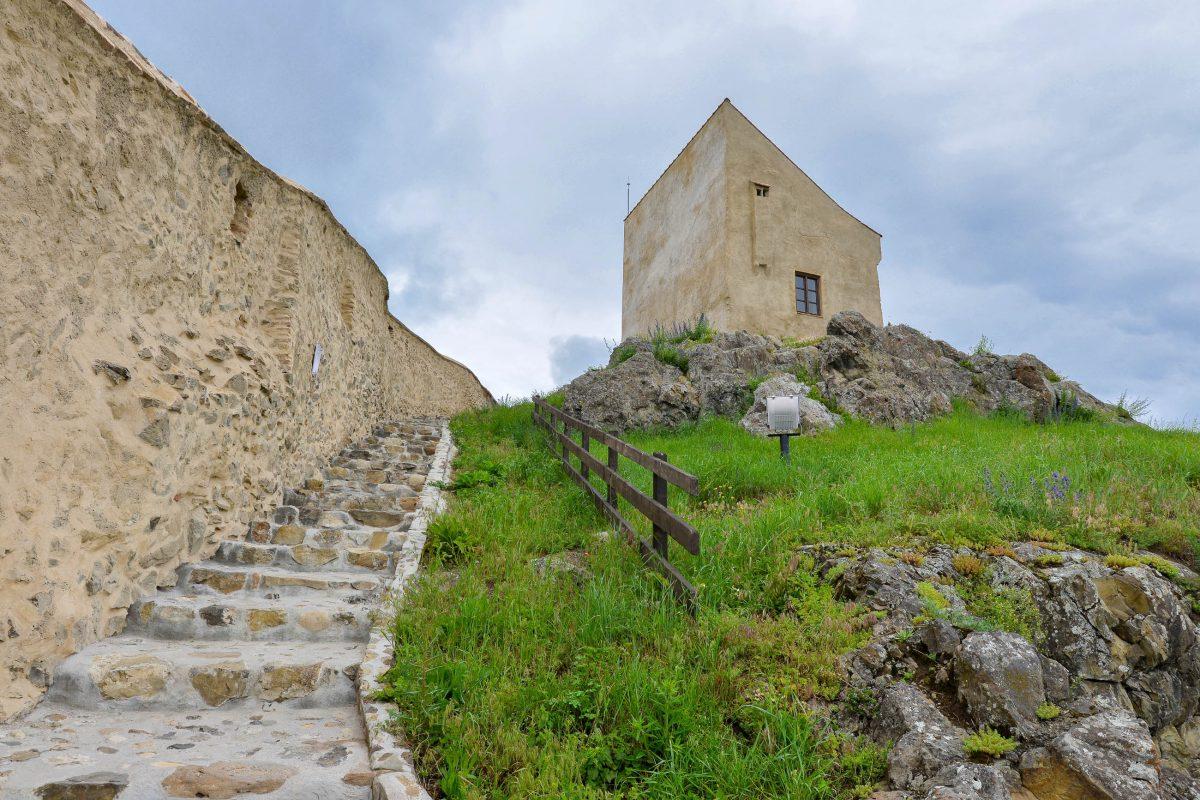 Nach Zerstörungen der Festung von Rupea wurde sie von den Bürgern und Bauern der Region stets wieder aufgebaut, Rumänien - © FRASHO / franks-travelbox