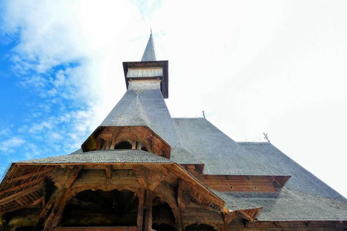 Finanziert wurde der Bau des Klosters des Erzengel Michael von Carmen und Grigore Adamescu, Săpânța, Rumänien - © FRASHO / franks-travelbox