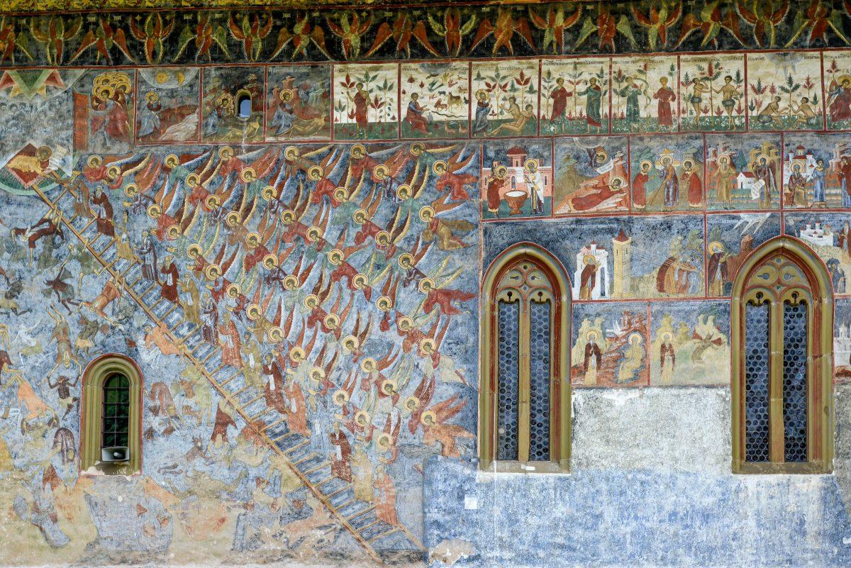 """Experten betrachten die Darstellung """"Stufenleiter der Tugenden"""" am Sucevița-Kloster als eine der schönsten aller Moldauklöster, Rumänien - © FRASHO / franks-travelbox"""