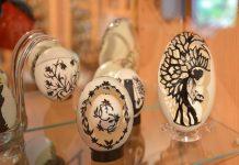 Das Museum der bemalten Eier in Vama, Rumänien, zeigt über 3.000 Eier, die in meisterhafter Präzision mit viel Liebe zum Detail verziert wurden - © FRASHO / franks-travelbox