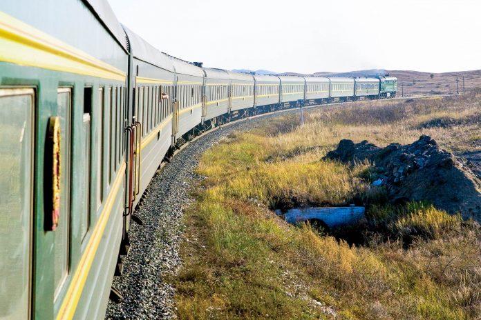 Die Transsibirische Eisenbahn ist die längste durchgehende Eisenbahnstrecke der Welt, Russland - © struteanu / Fotolia
