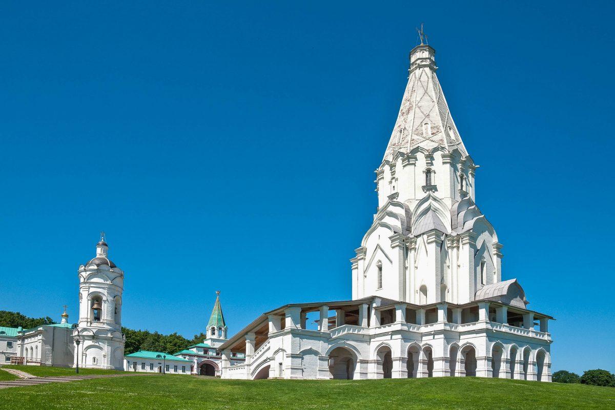 Die Auferstehungskirche in Kolomenskoje ist das älteste erhaltene Bauwerk im Südosten Moskaus, Russland - © slava / Fotolia