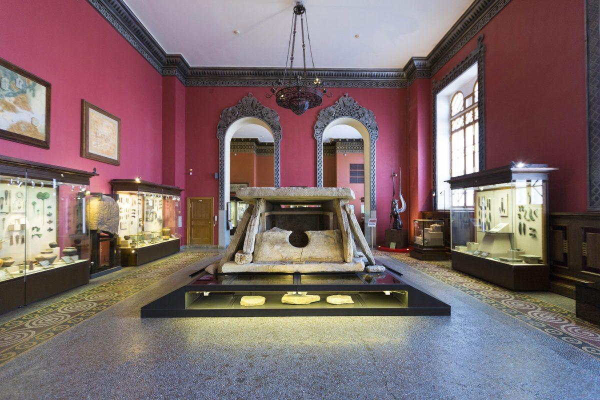 Im Historischen Museum von Moskau werden auch Sonderausstellungen veranstaltet, die über die Geschichte Russlands hinausgehen - © Lagutkin Alexey / Shutterstock