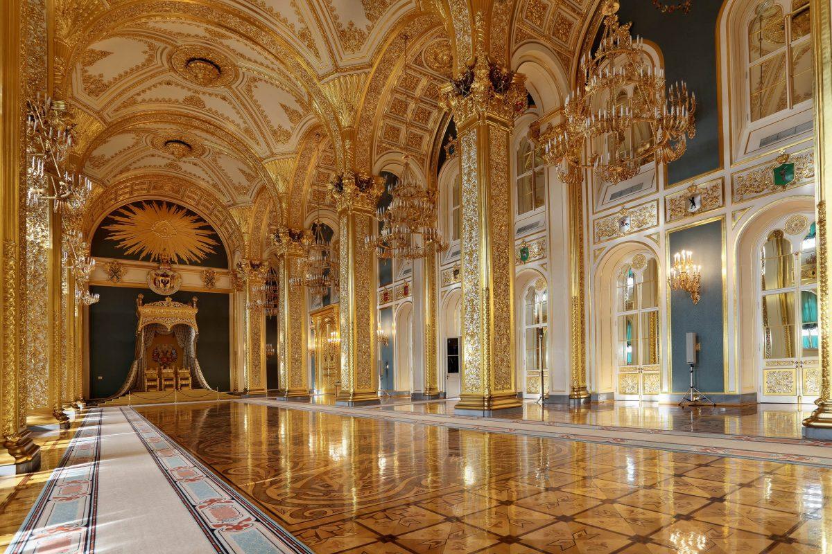 Prachtvolles Interieur des Großen Kremlpalastes in Moskau, Russland - © ID1974 / Shutterstock