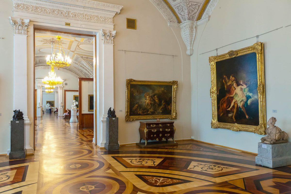 In der Eremitage in St. Petersburg sind viele der weltgrößten Meister vertreten. Leonardo da Vinci, Pablo Picasso, Rembrandt, Rubens sind nur einige wenige klingende Namen, Russland - © Iakov Filimonov / Shutterstock