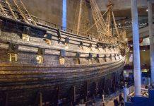 Die Vasa, das ehemalige Flaggschiff der schwedischen Flotte aus dem frühen 17. Jahrhundert im Vasa Museum in Stockholm - © James Camel / franks-travelbox