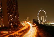 Der Singapore Flyer bei Nacht - © ezk / franks-travelbox