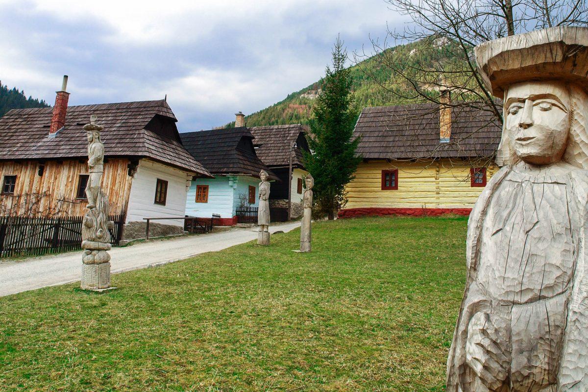 Das winzige historische Bauerndorf Vlkolínec ist durch keinen einzigen Neubau gestört und zeigt noch das tatsächliche Leben, wie es vor einigen hundert Jahren stattgefunden haben muss, Slowakei - © Miroslav Lukacko / Fotolia