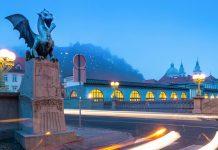 Die Asphaltierung der Brücke war Anfang des 20. Jahrhunderts eine Premiere in Ljubljana, Slowenien - © Matej Kastelic / Shutterstock