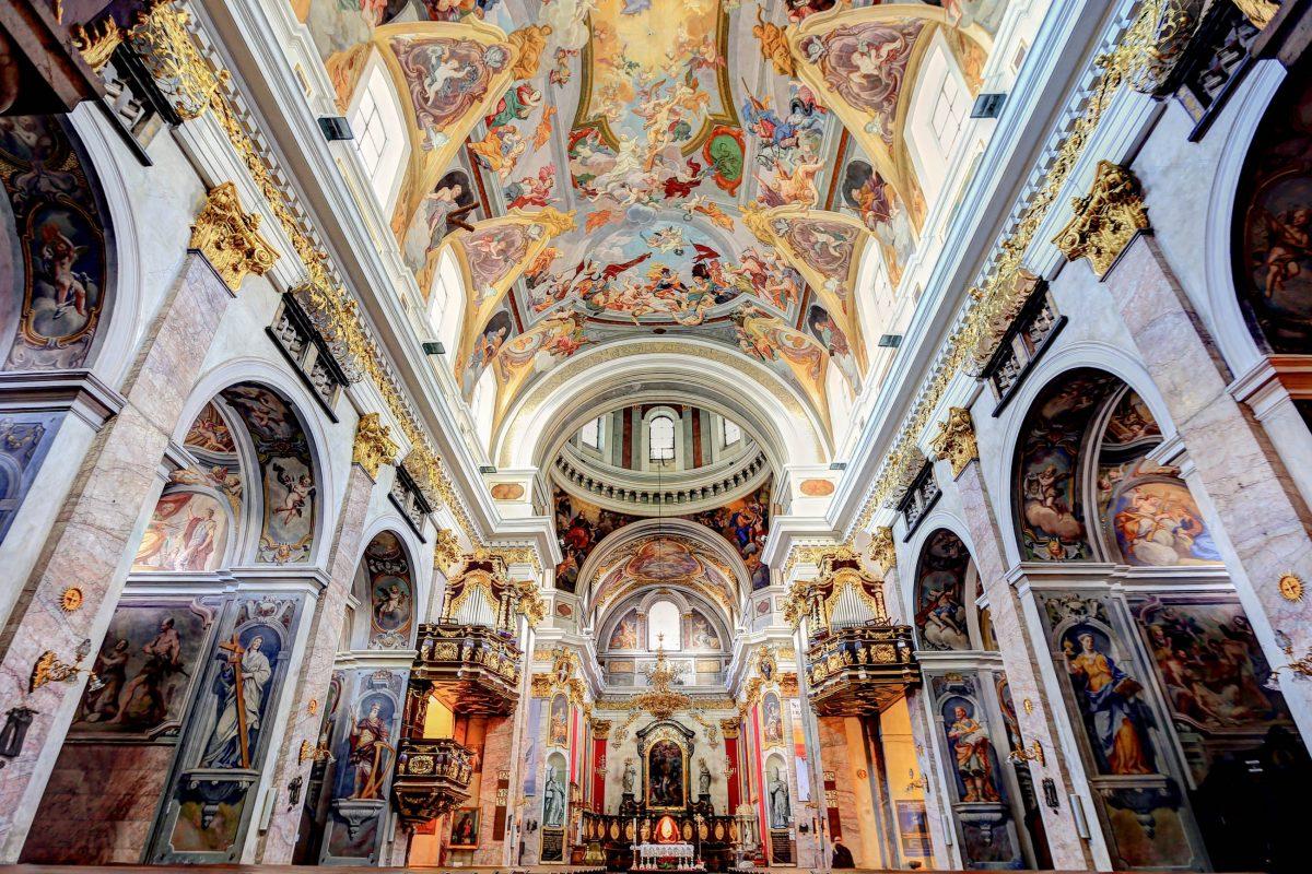 Die kunstvollen Fresken der Kathedrale von Ljubljana entstanden im frühen 18. Jahrhundert durch Giulio Quaglio, Slowenien - © akturer/ Shutterstock