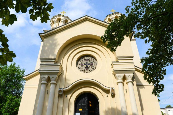 Die Kyrill-und-Method-Kirche vertritt als einziges Gotteshaus die orthodoxe Gemeinde in Ljubljana, Slowenien - © James Camel / franks-travelbox