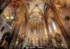 Die imposante Kathedrale von Barcelona beeindruckt durch ihre prunkvolle gotische Fassade und die eindrucksvolle Innenausstattung, Spanien - © Chantal de Bruijne / Shutterstock