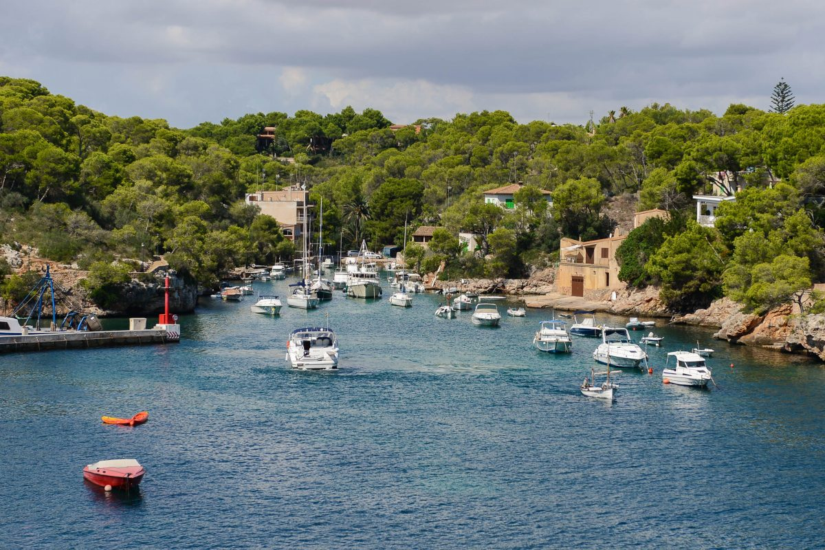 Cala Figuera wird aufgrund seiner tief eingeschnittenen Buchten oft auch als einziger Fjord Mallorcas bezeichnet, Spanien - © James Camel / franks-travelbox