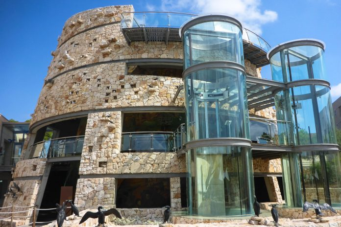 Das Centre des Visitants de Cabrera in Colònia de Sant Jordi informiert über Mallorcas Nationalpark Cabrera auf der gleichnamigen Nachbarinsel, Spanien - © Lila Pharao / franks-travelbox
